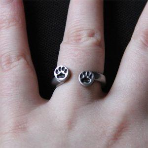 paw print ring